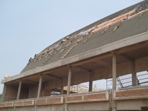 Penyelesaian Penutup Atap Gereja